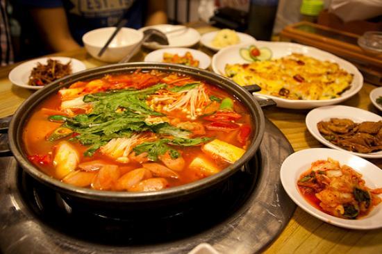 Restaurante Coreano en Queens debe 2,7 millones en una demanda de robo de salaries