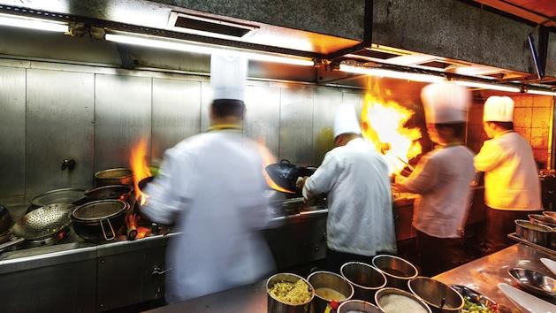 Cocinero principal podría tener derecho a pago por horas extras, según Tribunal Federal de Nueva York