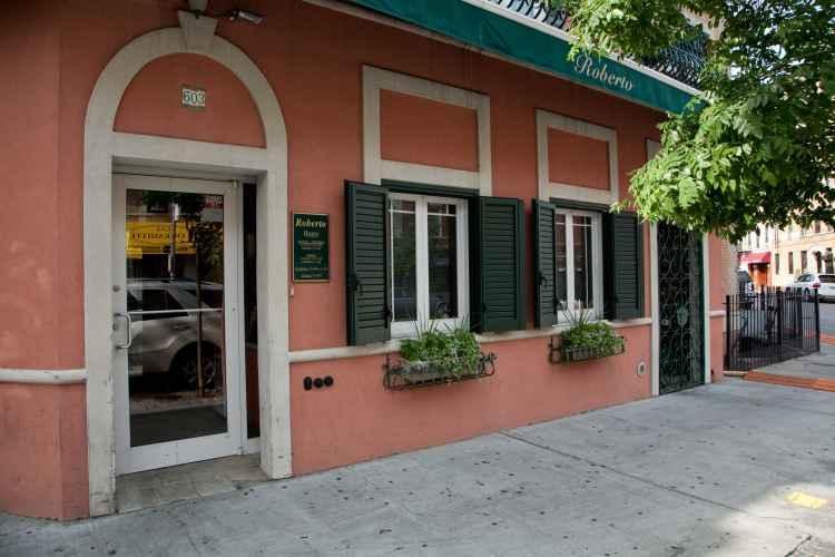 Restaurante Italiano en el Bronx demandado por robo de salario