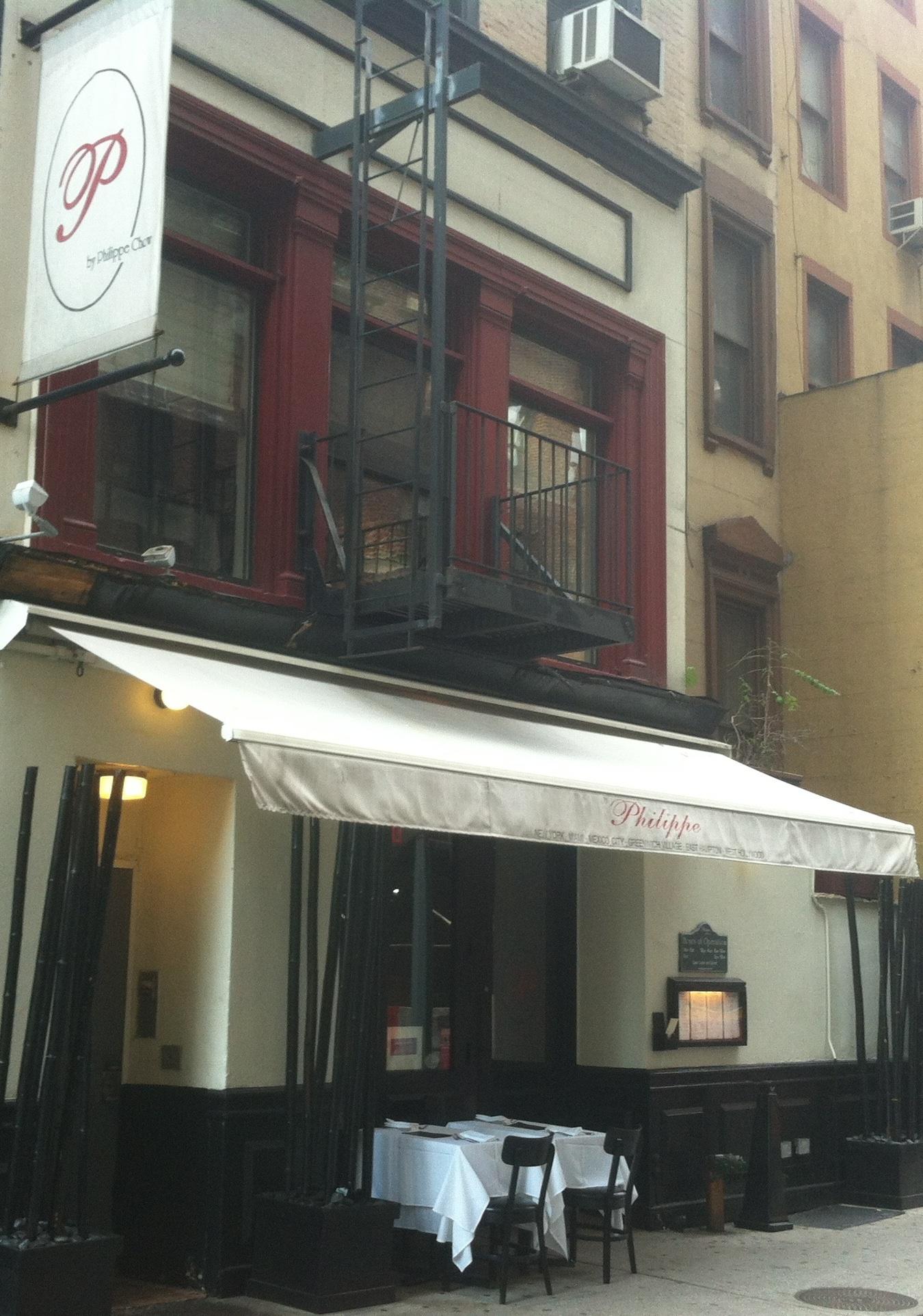 Demandan a Philippe Restaurant Por Violaciones de Pago de Propina y Horas Extras