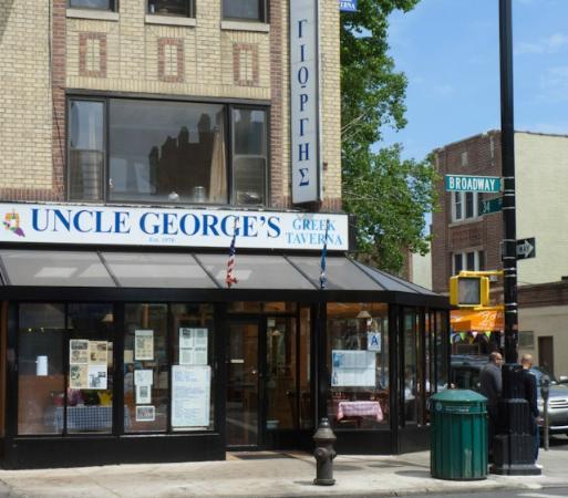 Restaurante Uncle George's Demandado Por Violaciones de Salarios Mínimos, Propinas y Por Horas Extra