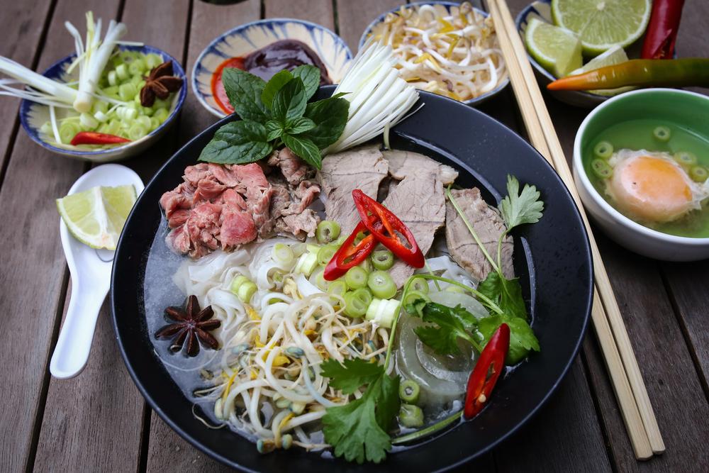 Departamento de Labor Ordena Restaurante Vietnamita a Pagar $219K por Violaciones de Sobretiempo