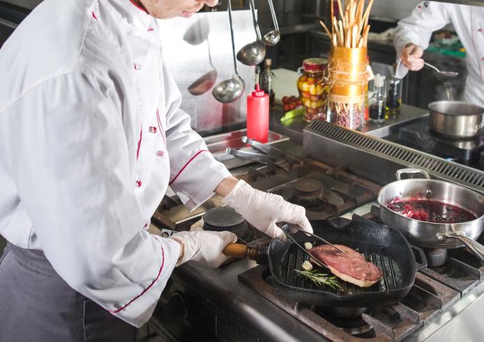 Dueños de Restaurante en Washington Heights Arrestados por Robar Mas de $160k de los Trabajadores