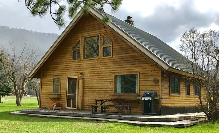 Whether you're into hiking, fishing or just grilling on the porch, the Confluence Cabin is the perfect base camp.