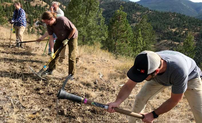 Digging trail at Legacy Point for National Public Lands Day. Photo by Five Valleys staff.