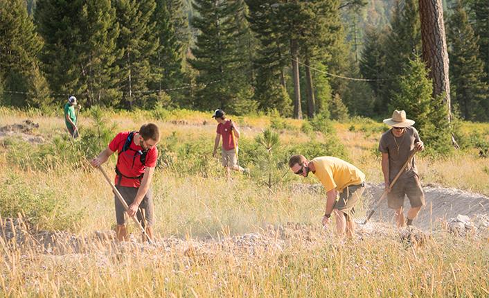 MTBMissoula trail building volunteers. Photo by Dave Gardner.