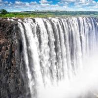 Victoria-Fälle-mit-viel-Wasser
