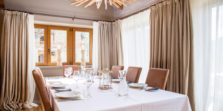 Dining area at Eira Ski Lodge