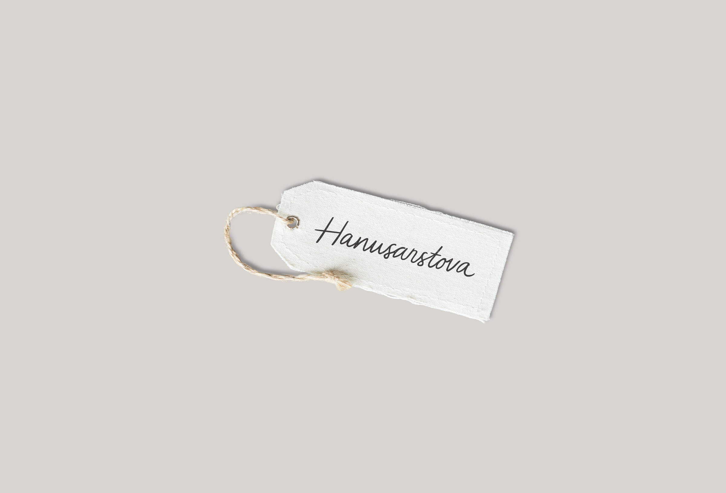 Hanusarstova clothing tag
