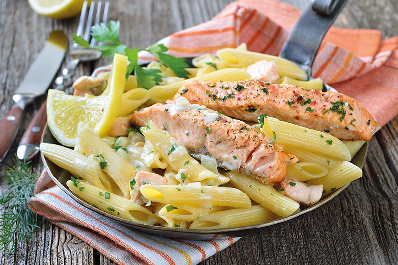 Lemon & Garlic Salmon Pasta