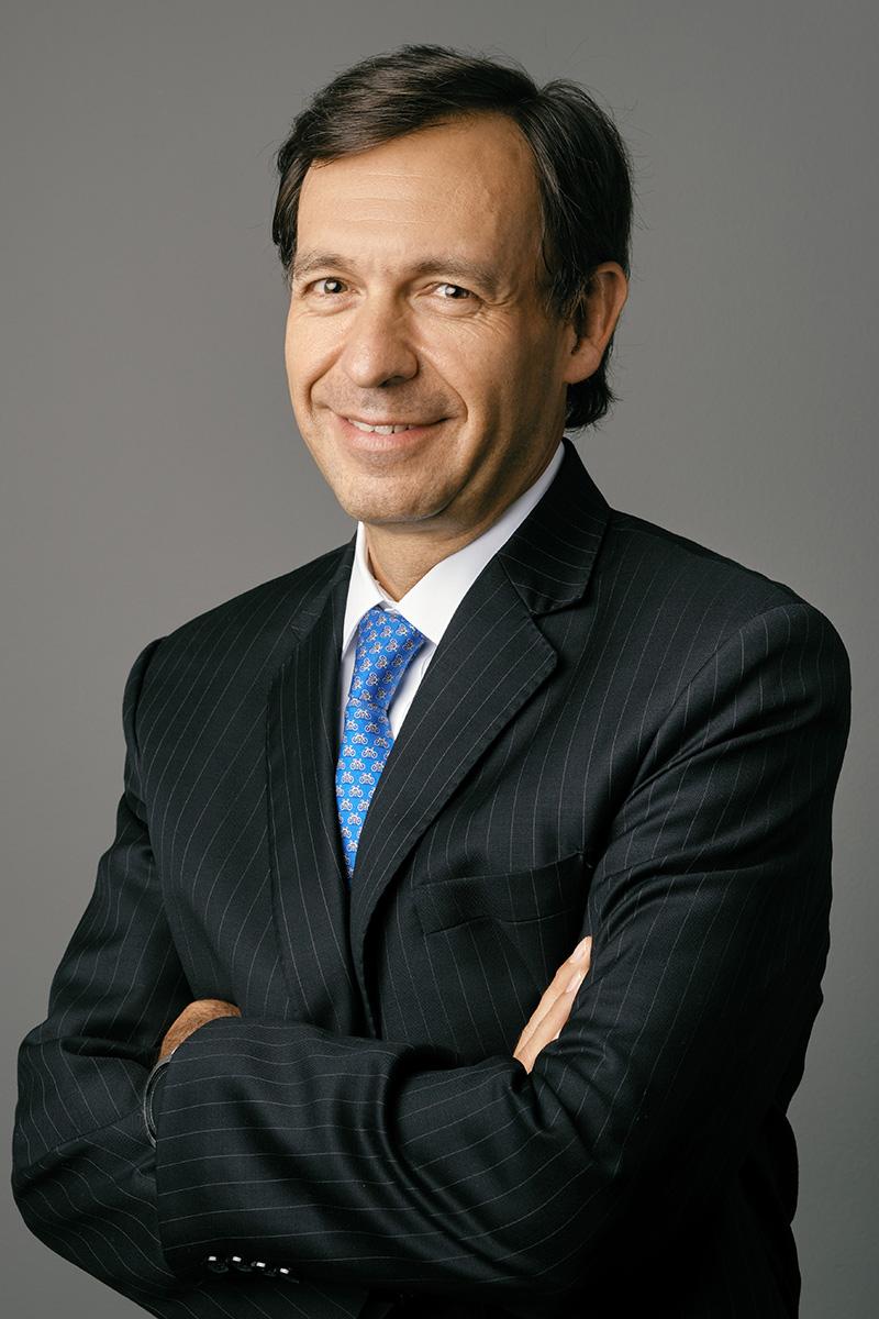 González G.