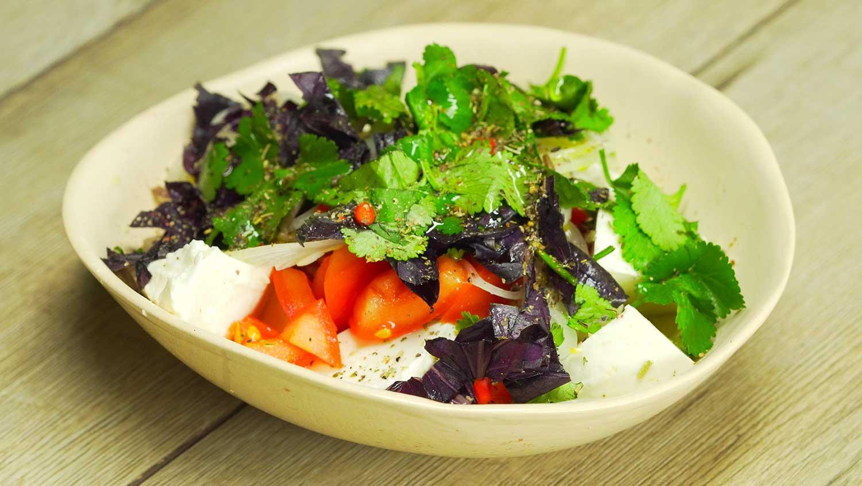 Сыр и салат по-сицилийски
