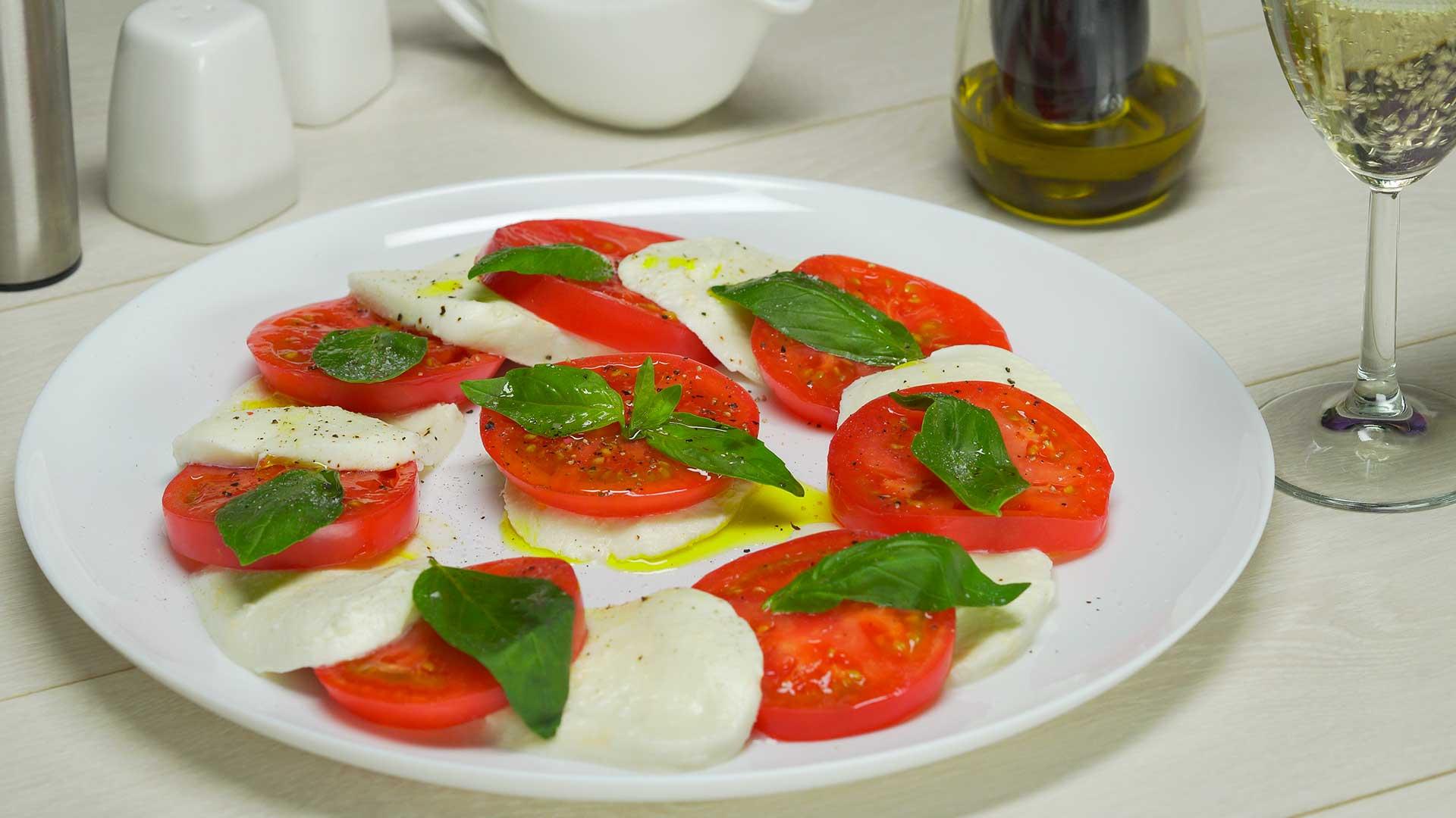 Салат Капрезе. Итальянская кухня