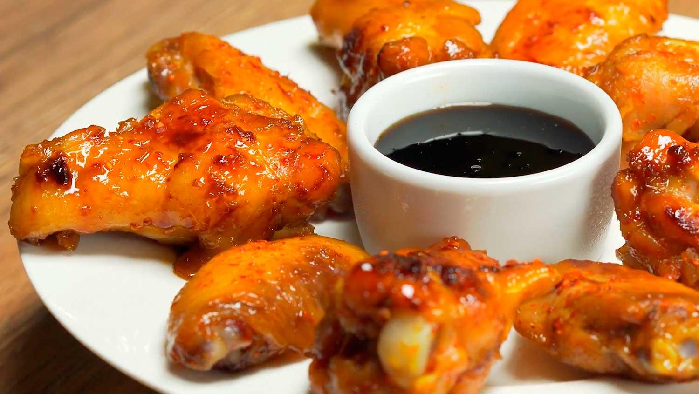 Крылышки в медово-соевом соусе с перцем чили