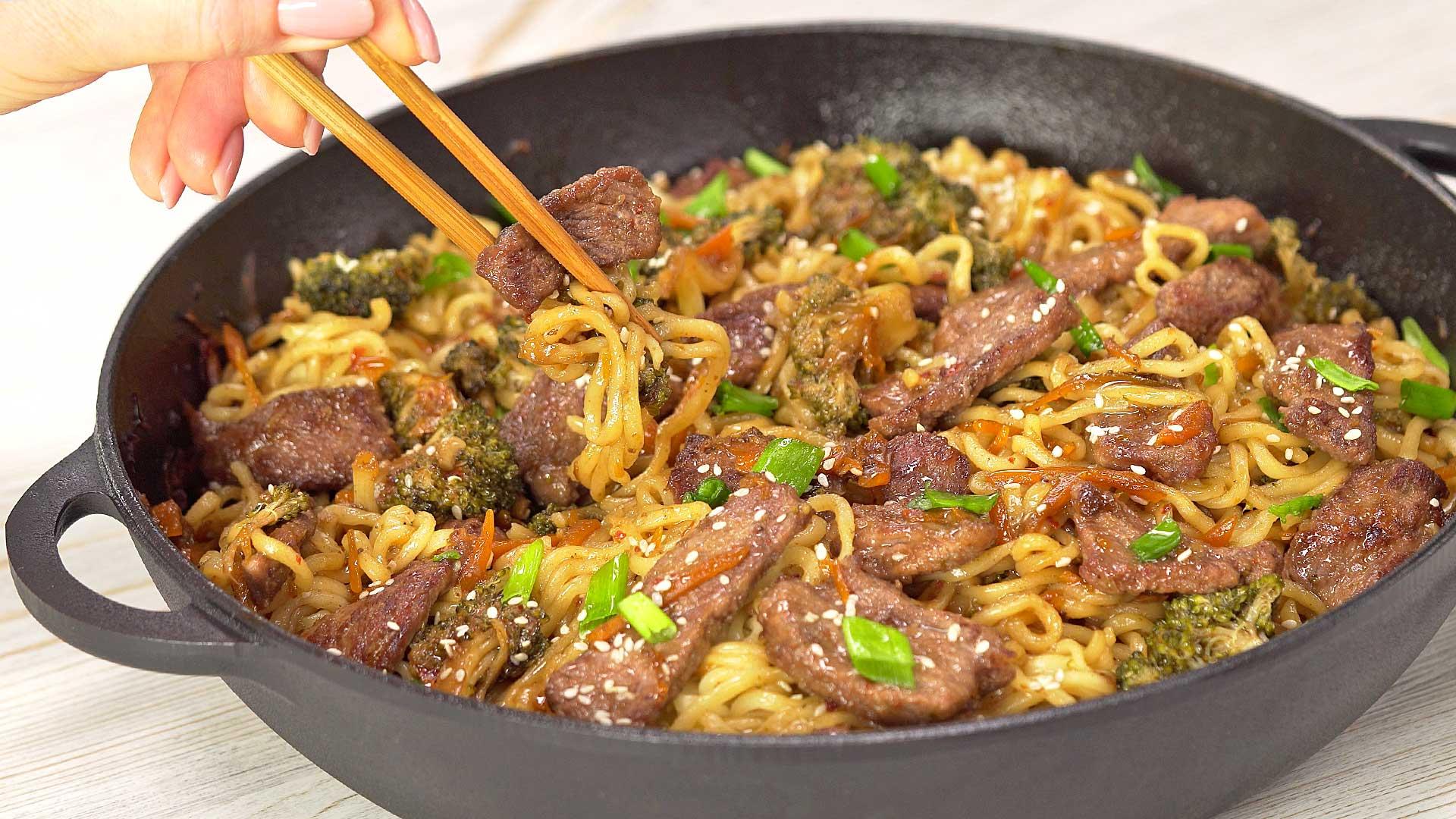 Лапша рамен с монгольской говядиной