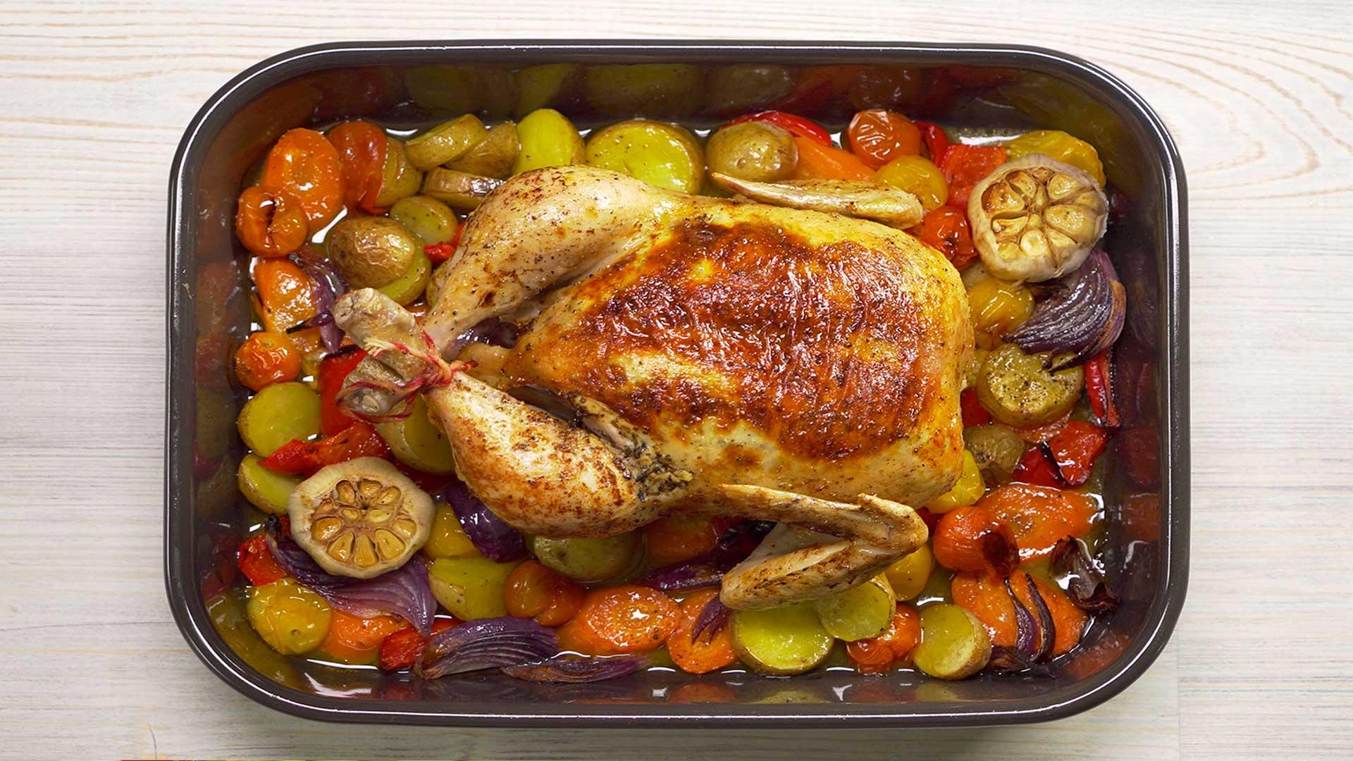 Курица с овощами запеченная в духовке. Французская кухня
