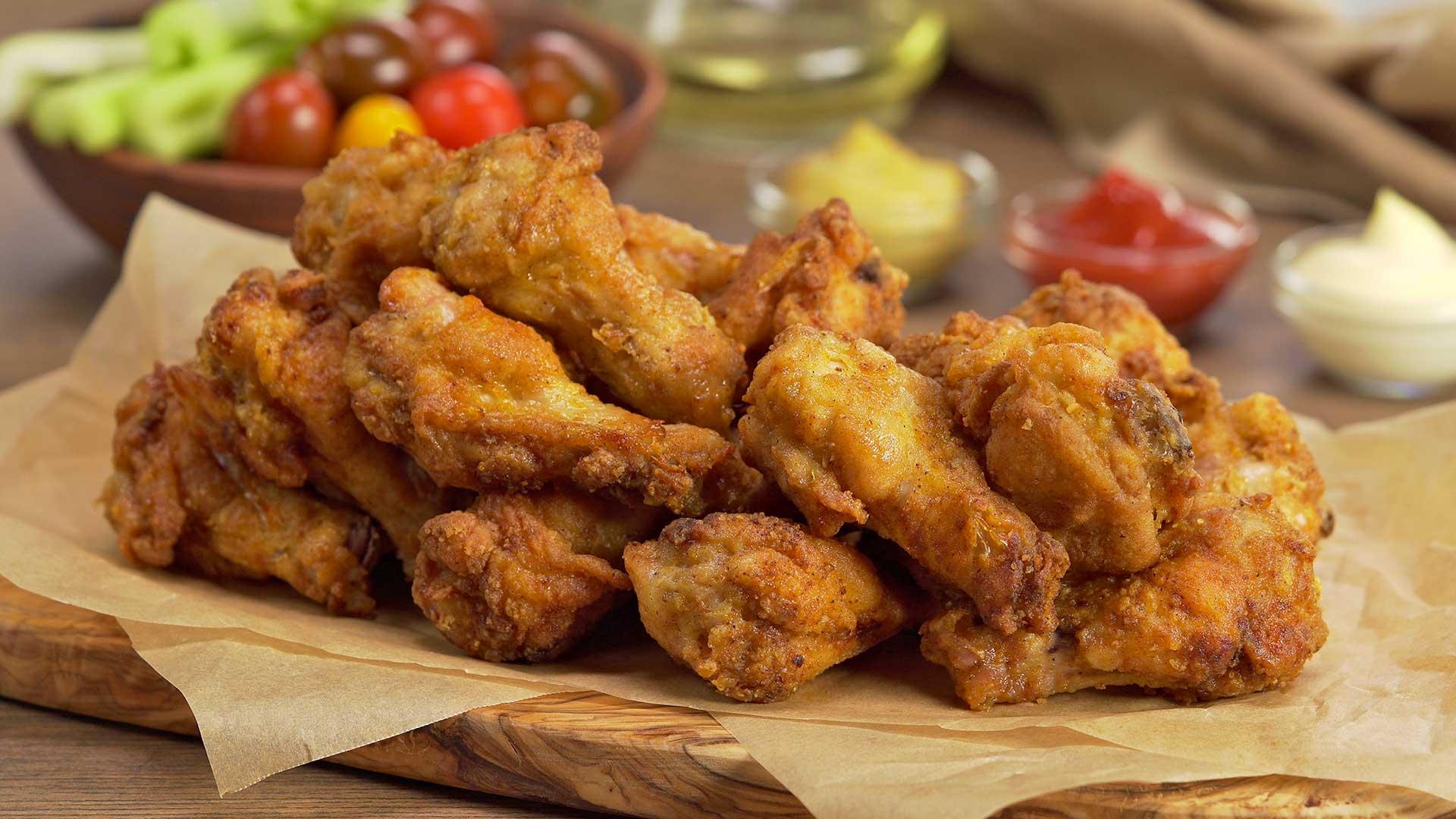 Хрустящие куриные крылышки в духовке