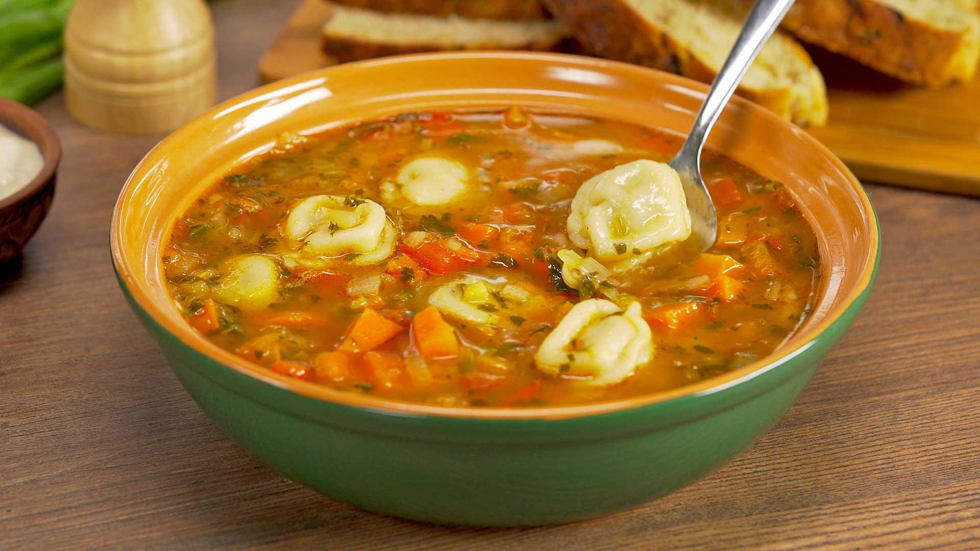Суп с пельменями в узбекском стиле