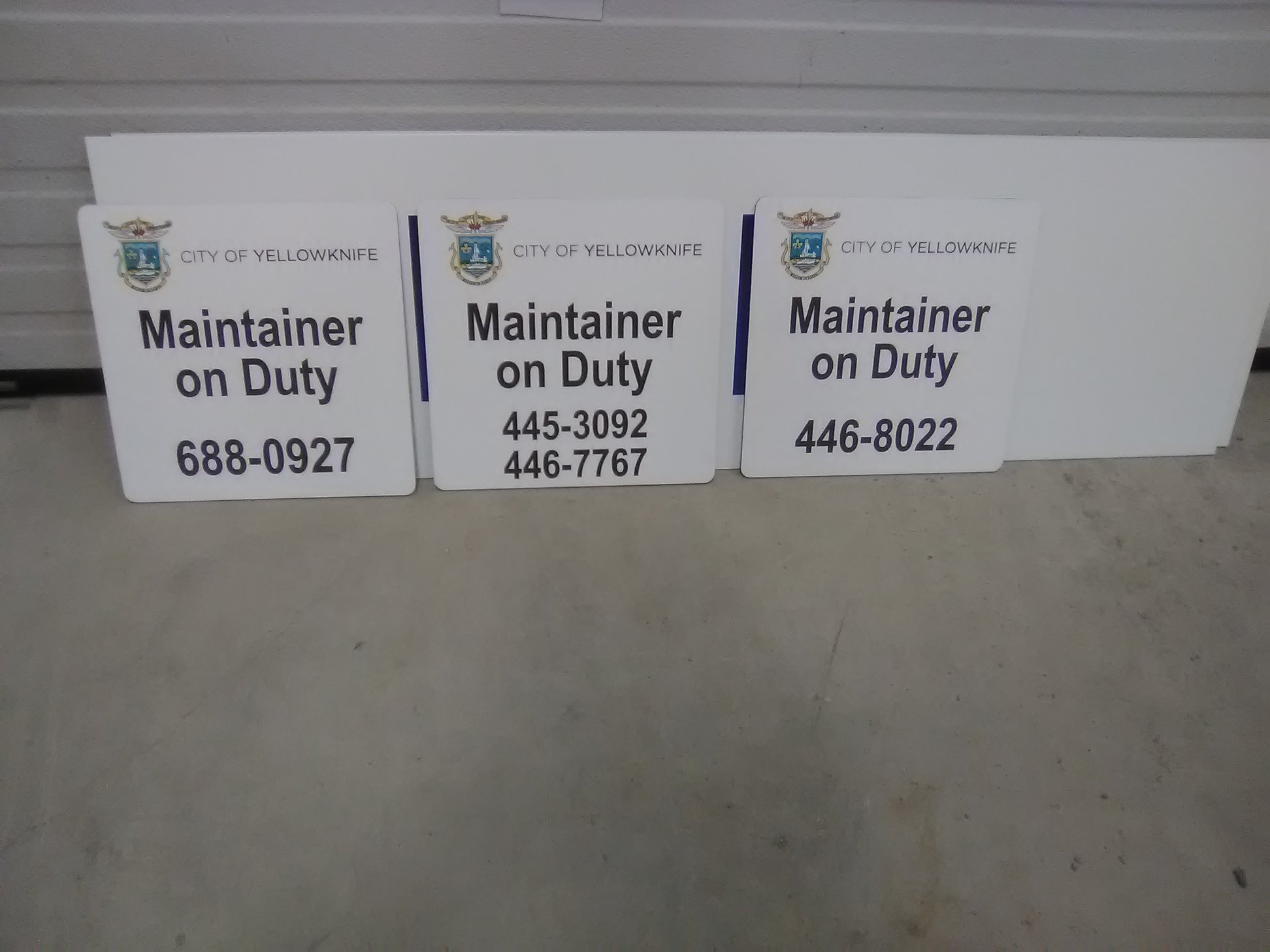 Maintainer on Duty Exterior Signage