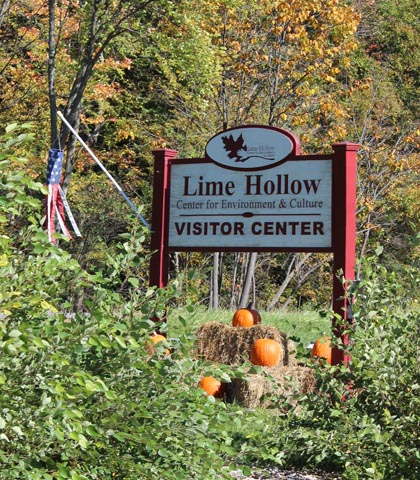 Sign for Lime Hollow Visitor Center