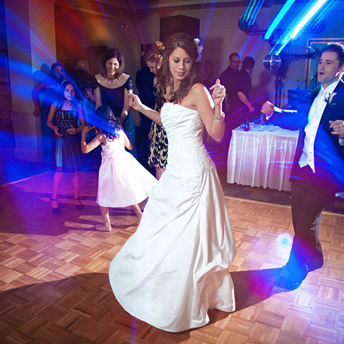Image of woman dancing at her wedding after wedding dance lessons with Amy Young Dance
