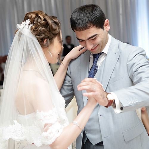 Image of couple dancing at wedding after wedding dance lessons with Amy Young Dance