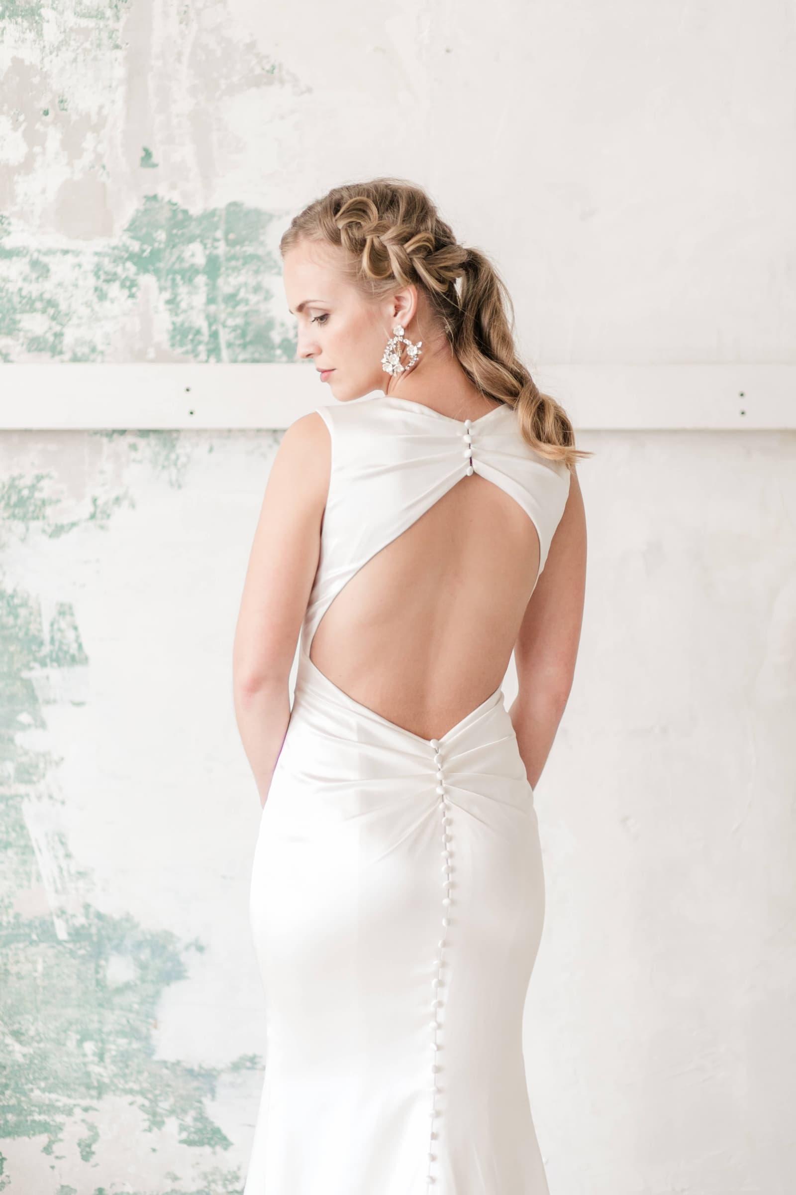 wedding dress jacksonville beach florida bride low back