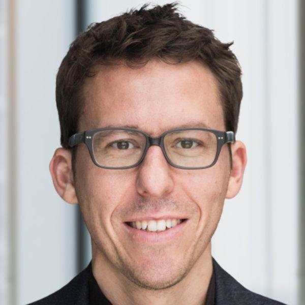 Portrait Bastian Obermayer