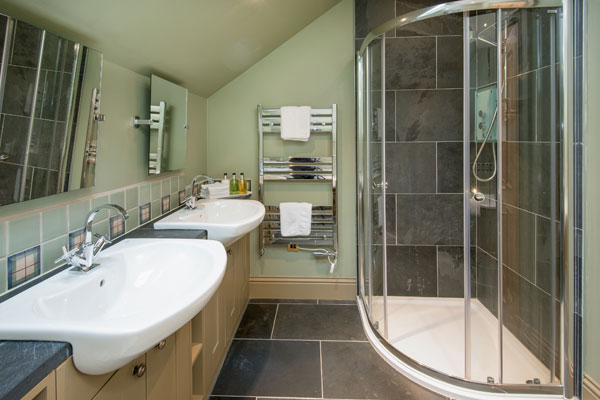 Elliot Houses - Time Luxury Holiday Cottage Bathroom