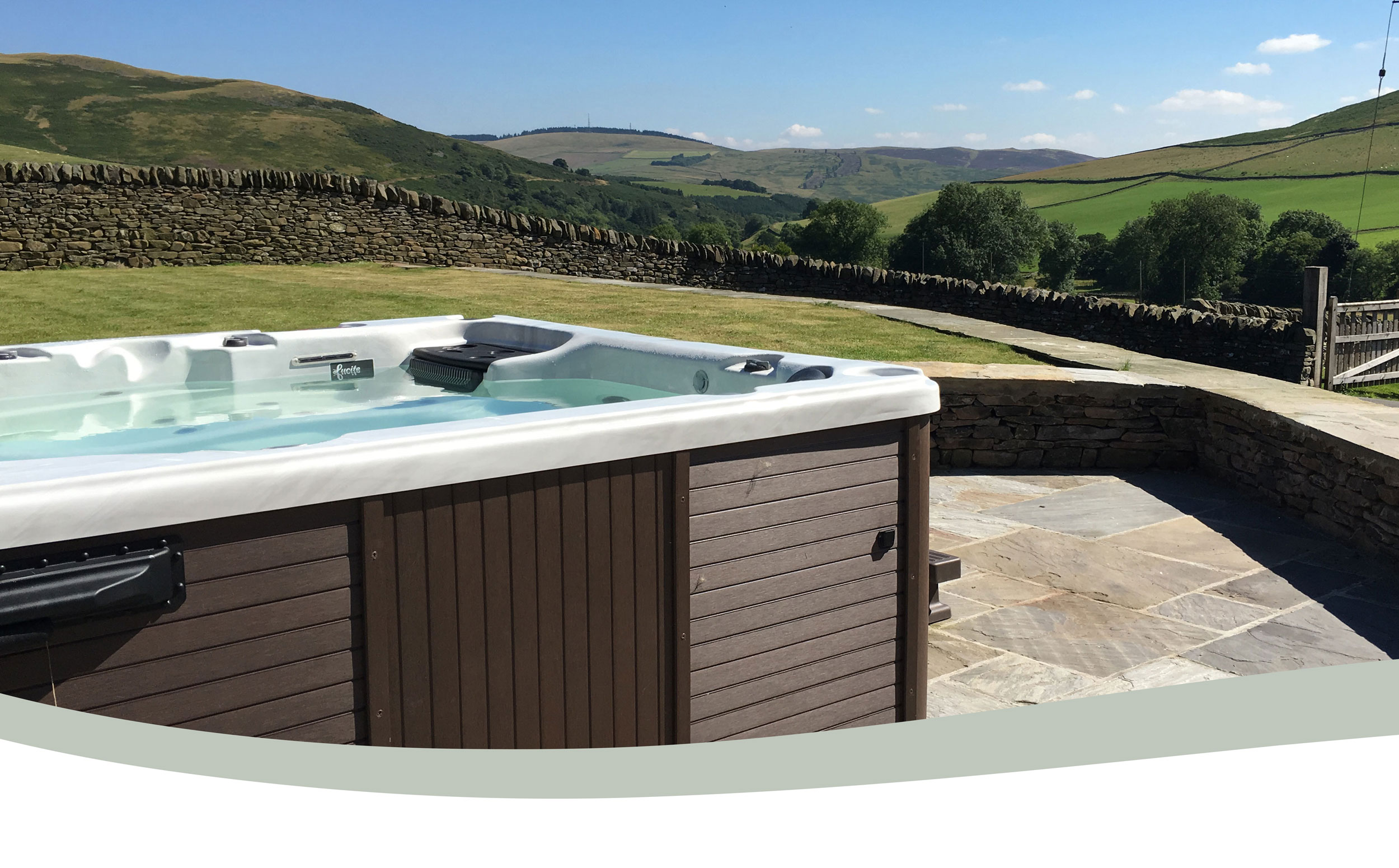 Elliot Houses - Time, Hot Tub with a view