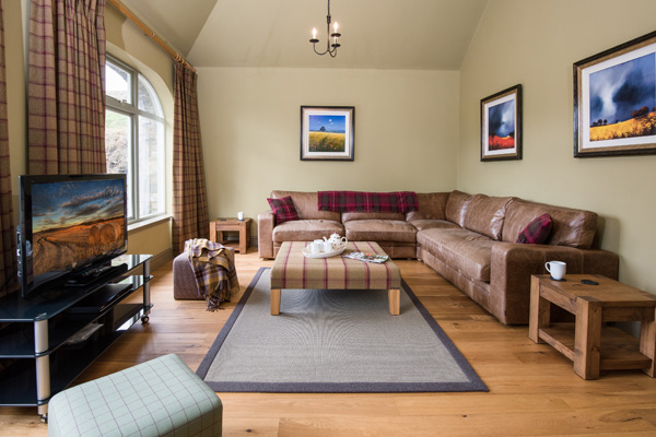 Elliot Houses - Dignity Luxury Holiday Cottage Livingroom