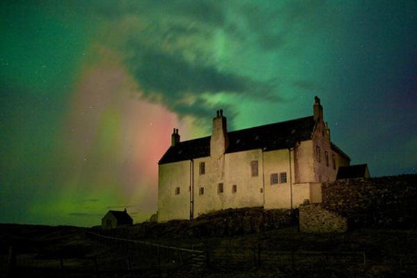 Elliot Houses - Balnakeil House Aurora Borealis