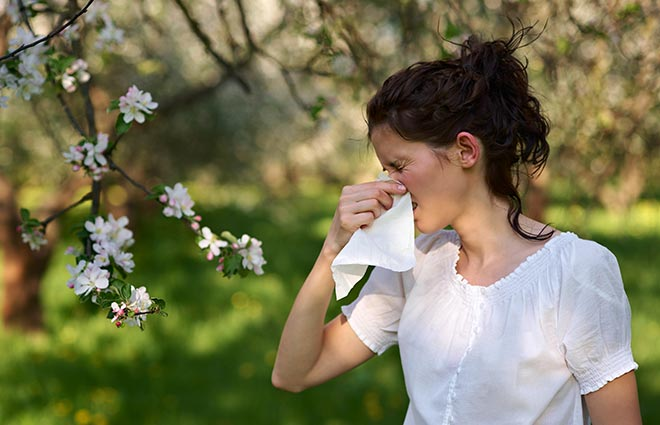 7 Ways to Nip Seasonal Allergies in the Bud This Spring