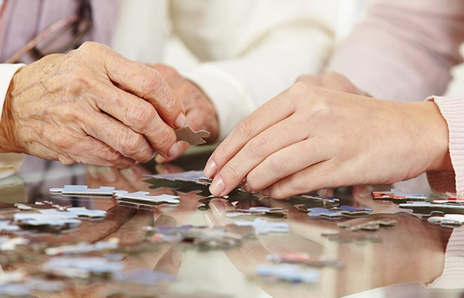 7 Facts to Help You Understand the Differences between Alzheimer's and Dementia
