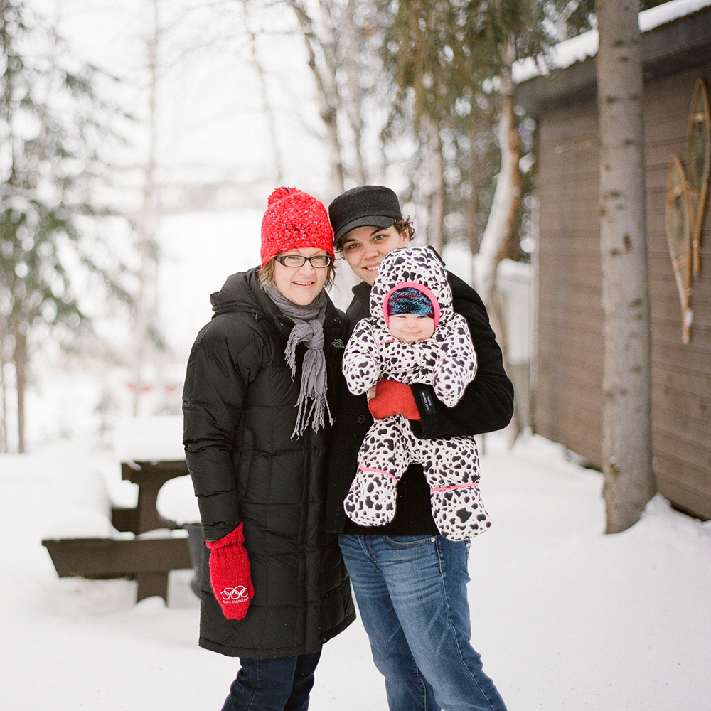 Kamloops photographers shoot Yellowknife family in the winter