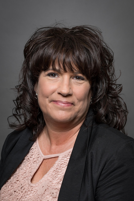 Vivian Schwab