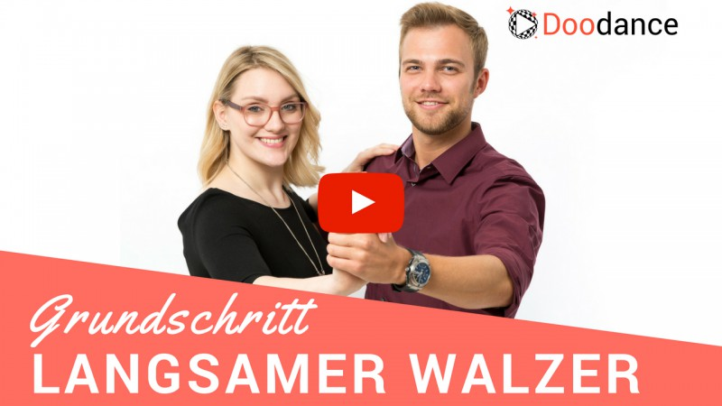 Zwei Tanzlehrer zeigen den Grundschritt im Langsamen Walzer