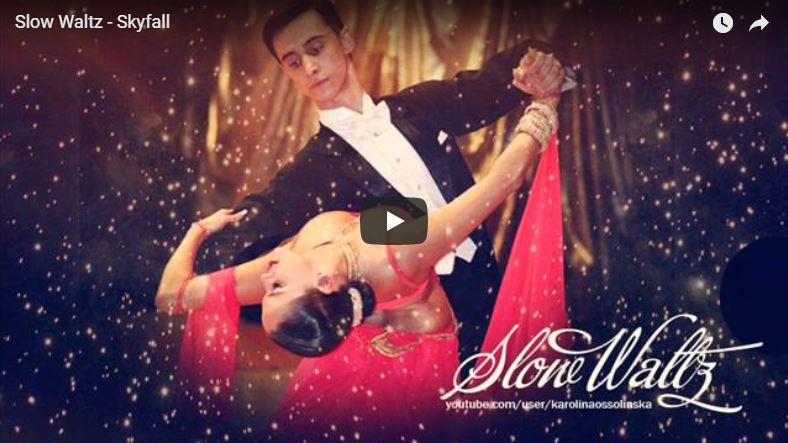 Elegantes Paar tanzt professionell Langsamen Walzer