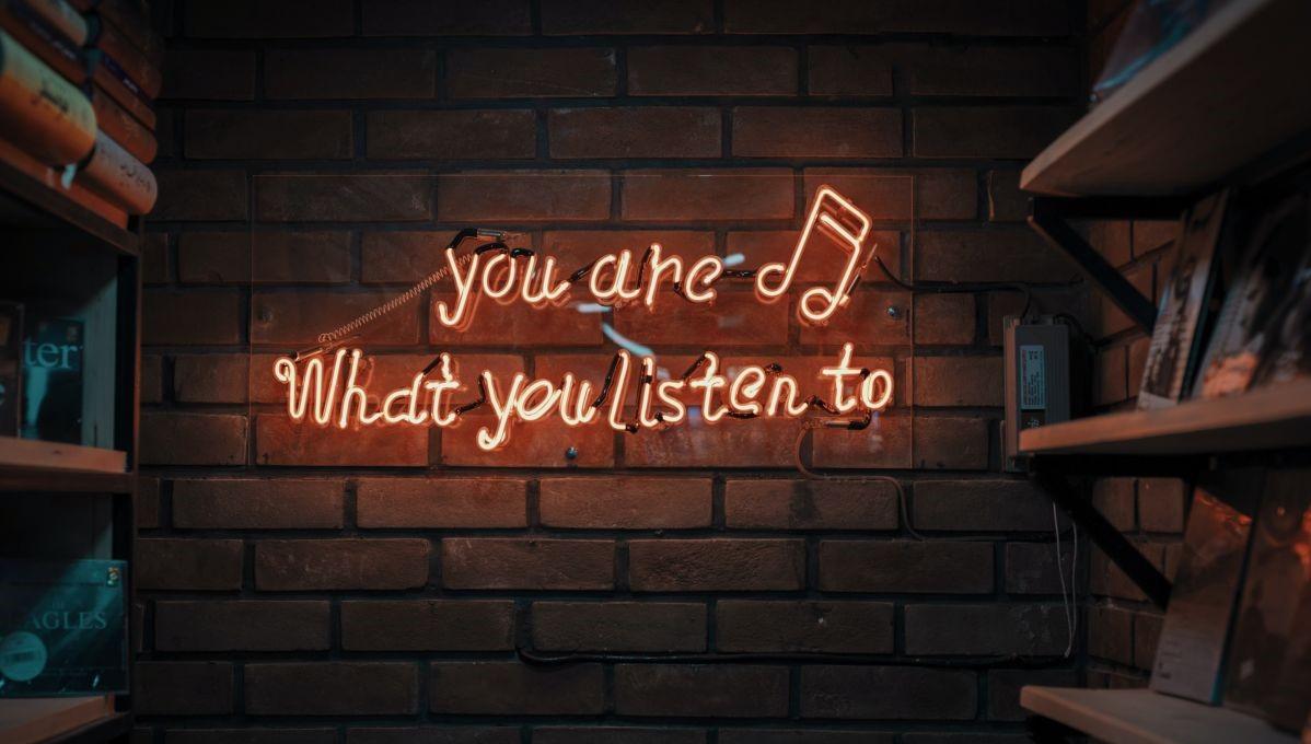 Leuchtschrift mit Musikzitat