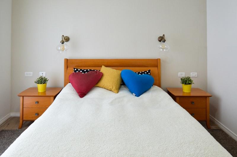 כיצד תעצבו חדר שינה רומנטי וחמים?