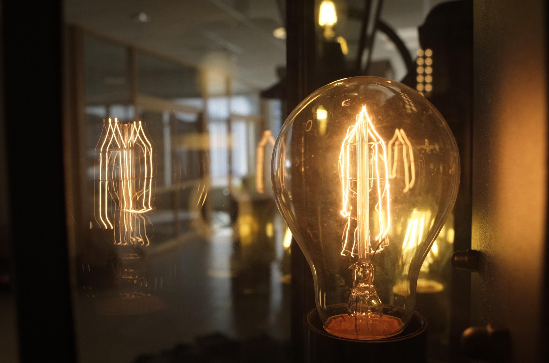 Bilde av energibesparende lyspære.