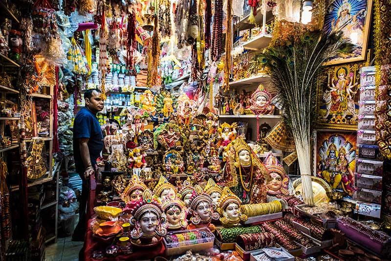 Un magasin du Marché de Port-Louis- Le duo de choc ! L'île Maurice et l'île de la Réunion - Suivre sa Joie - Saskia Parein