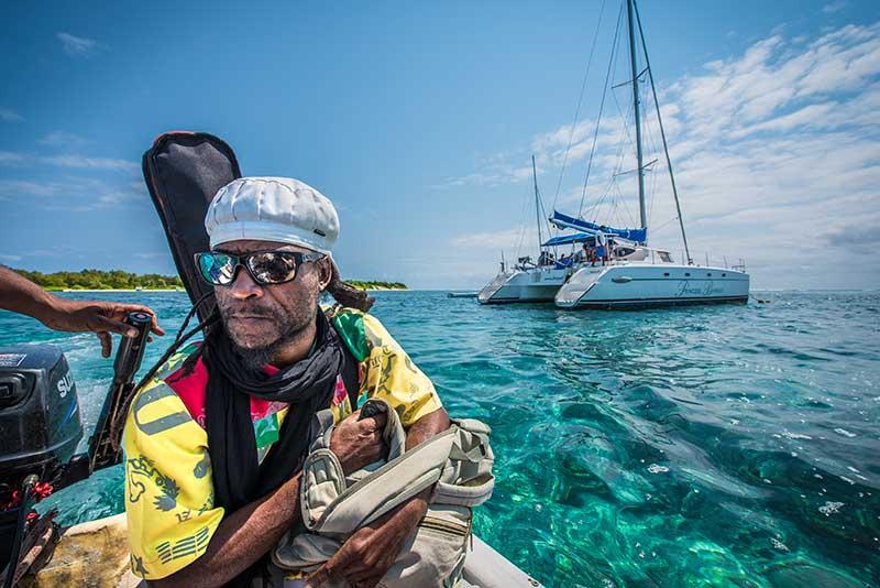 Ilot Gabriel - En catamaran- Le duo de choc ! L'île Maurice et l'île de la Réunion - Suivre sa Joie - Saskia Parein