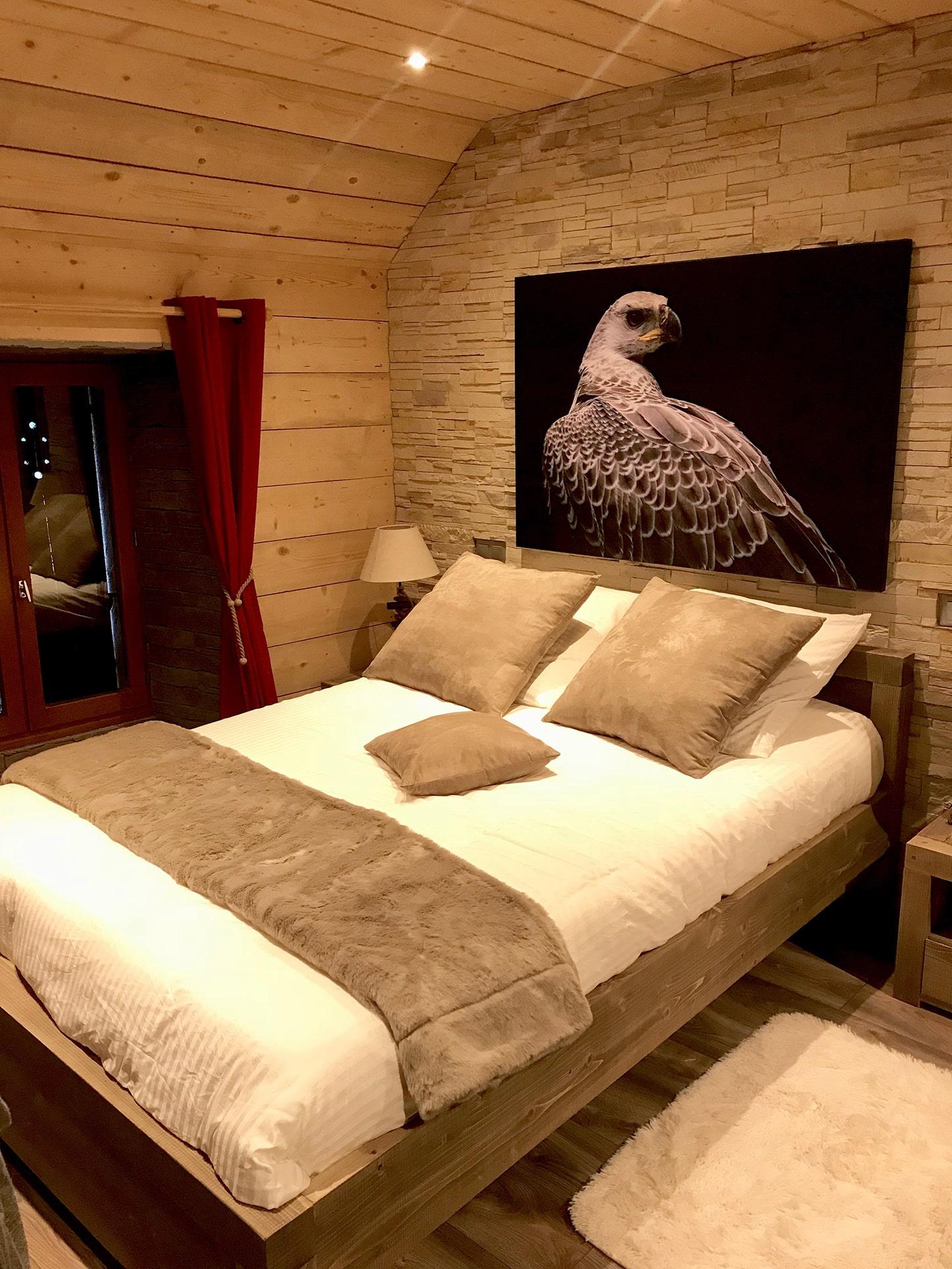 Blog Lifestyle - La chambre aux Aigles du Léman - Saskia Parein