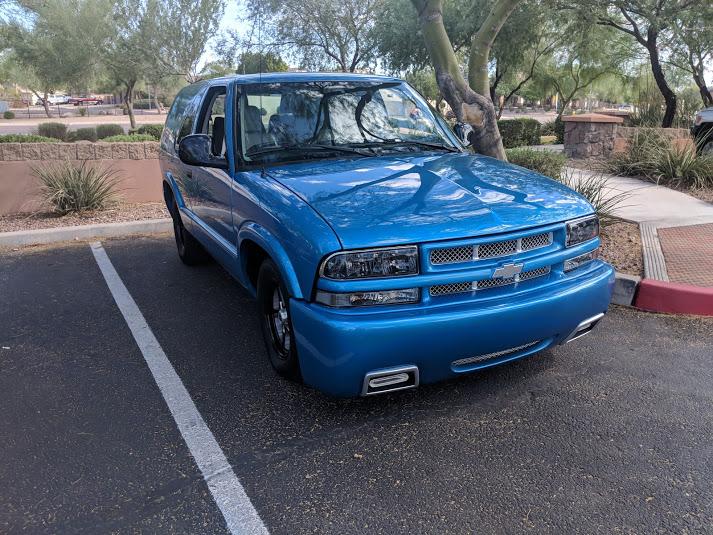 blue 2001 blazer front view