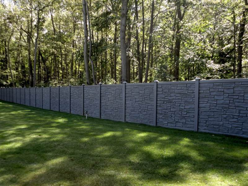 SimTek fence installed in Islip NY