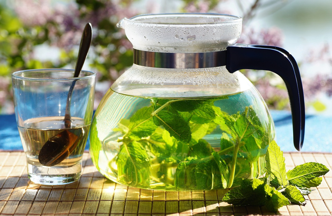 How To Make Peppermint Tea 5 Different Ways Cup Leaf