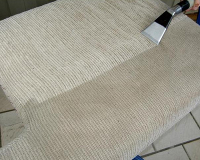 upholstery cleaning in action