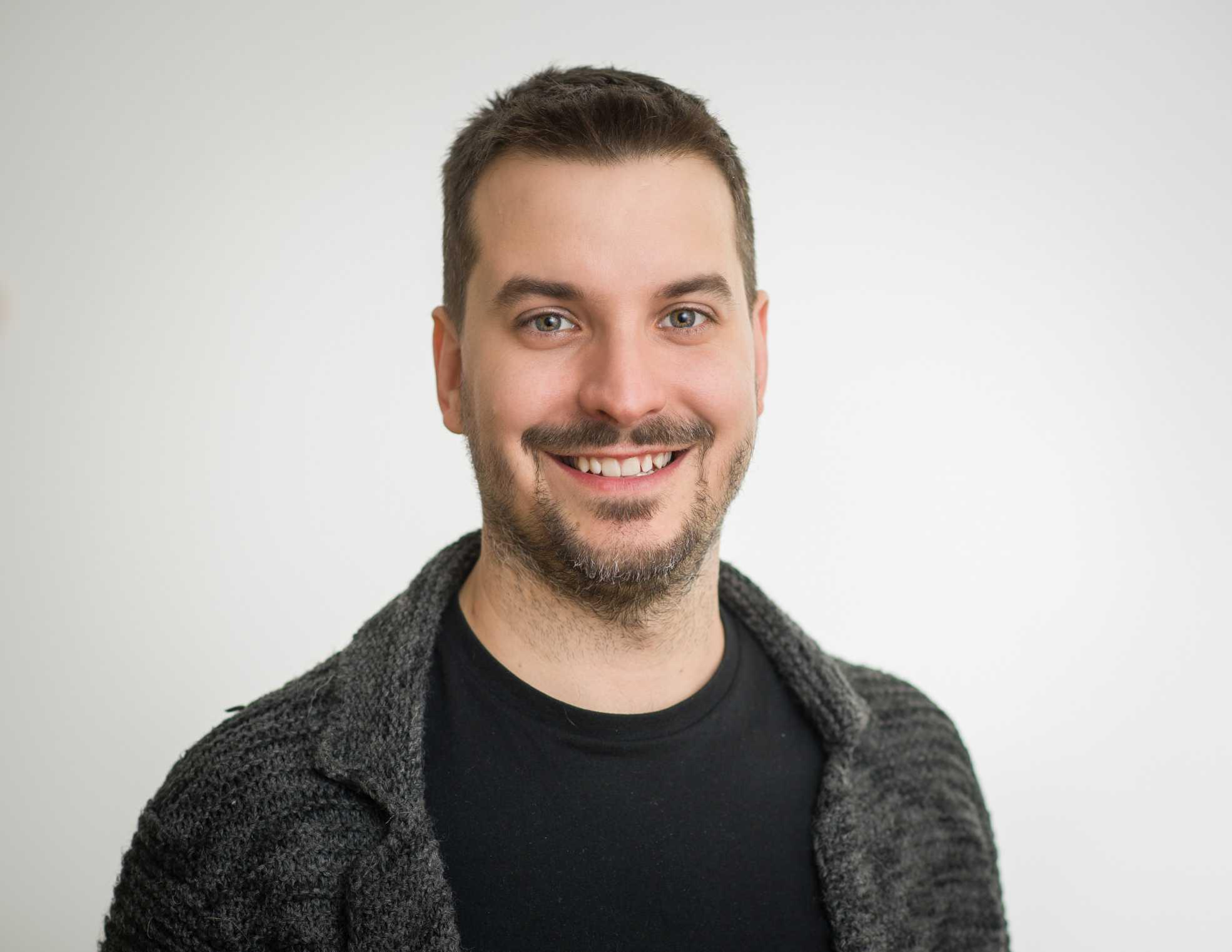 Tak by se daly v krátkosti shrnout cíle Green Fox Academy. Doposud agendu ředitele české pobočky řešil Kristóf Bárdos, jeden z maďarských zakladatelů bootcampu.