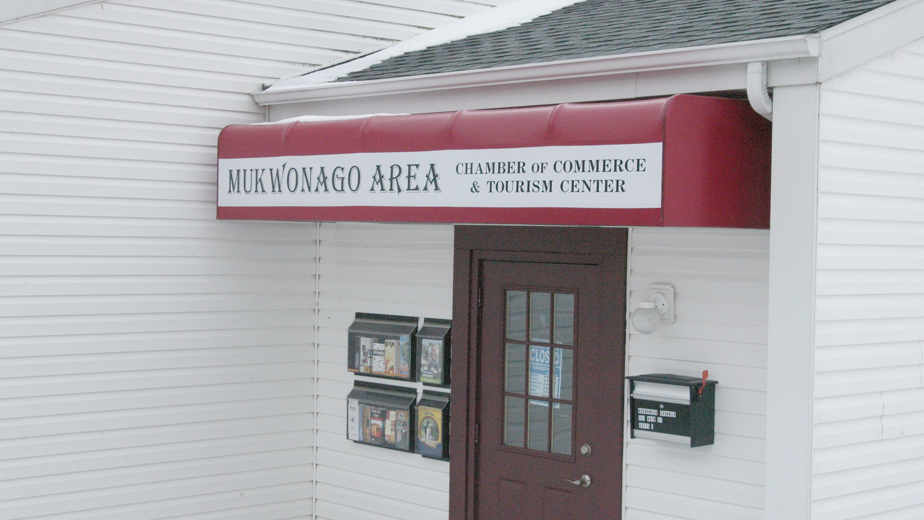 Mukwonago Area Chamber of Commerce Awning Sign produced and installed by signs and lines